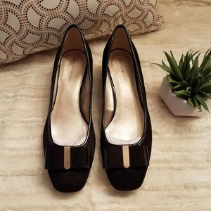 NEW!  Suede with Bow on Front Low Heel Dress Shoes